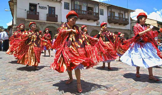 an overview of the history of bolivia The state of bolivia has been a remarkably unsuccessful state bolivia is now poor and backward but this was not always the case for the area that is now bolivia.