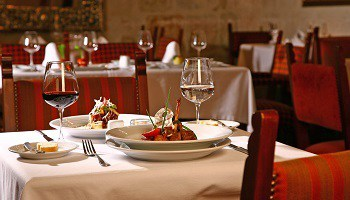 dining-at-casa-andina-private-collection