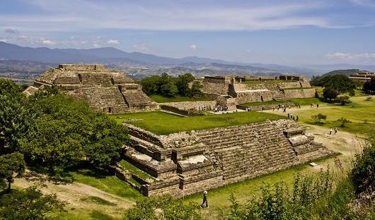 monte-alban-oaxaca-mexico