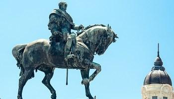 uruguay-statue-of-general-artigas-montevideo-uruguay