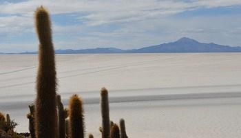 uyuni-salt-flats-salar-de-uyuni-bolivia