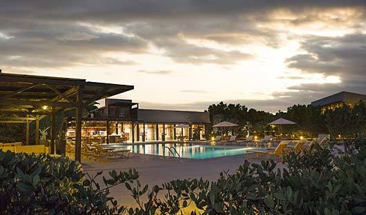 finch-bay-hotel-pool