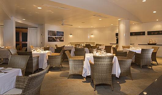 finch-bay-hotel-restaurant