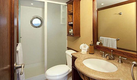 grace-bathroom