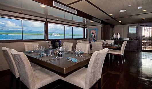 grand-odyssey-dining-room