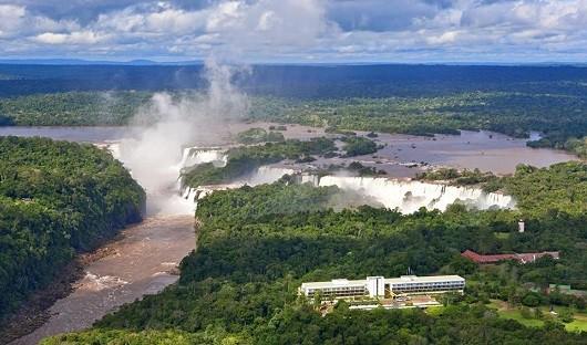 iguazu-falls-with-sheraton-hotel-argentina