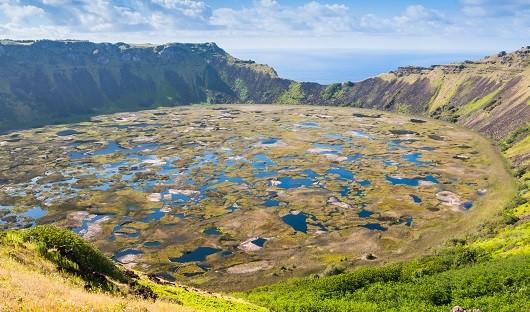 rano-kau-volcano-easter-island
