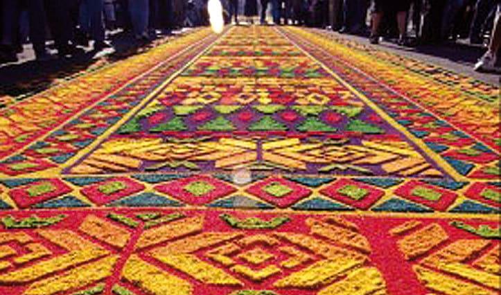 santa semana sawdust carpet