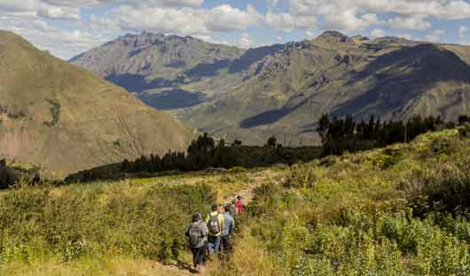 hiking-sacred-valley
