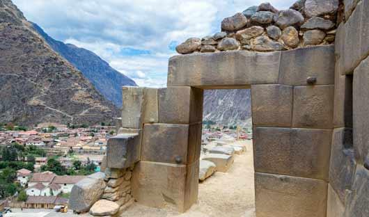 ollantaytambo-sacred-valley-peru