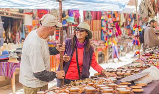 Textiles market Sacred Valley