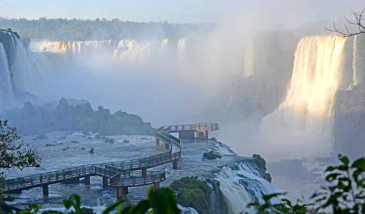 Tour of Iguazu Falls Walkways