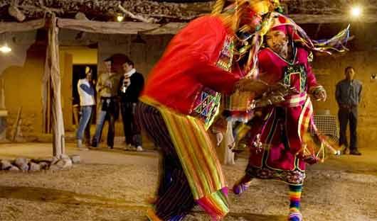 Chilean Dancers explora Atacama