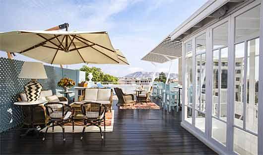 Rooftop bar Hotel B