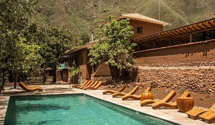 Swimming pool explora