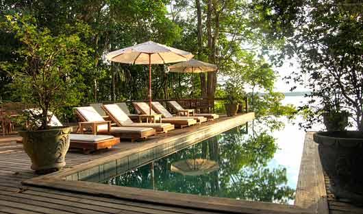 Anavilhanas Lodge pool