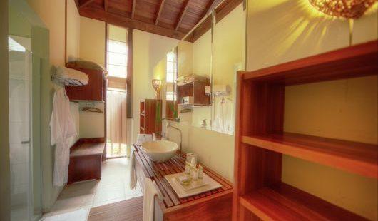 Bungalow Bathroom Cristalino Lodge