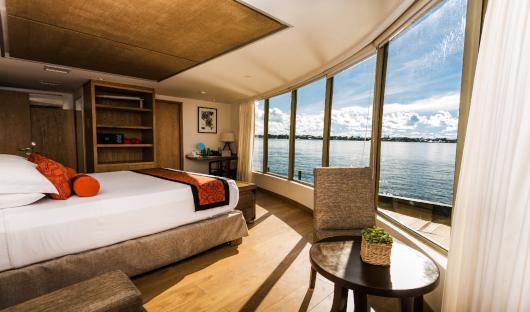 Delfin III Corner Suite