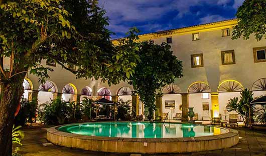 Pestana Convento do Carmo Pool