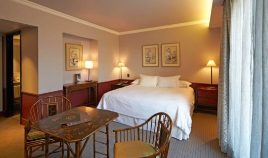 The Singular Santiago Classic Room