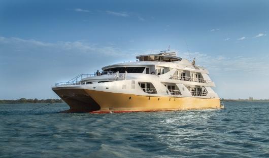 Elite Mega Catamaran Exterior