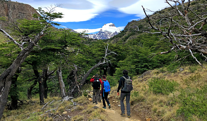 Hiking group to Cerro Torre
