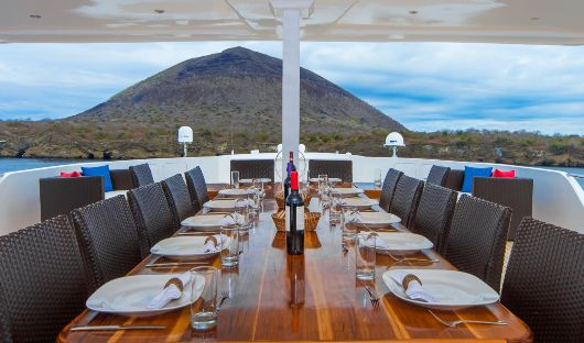 Al Fresco Dining Area Natural Paradise