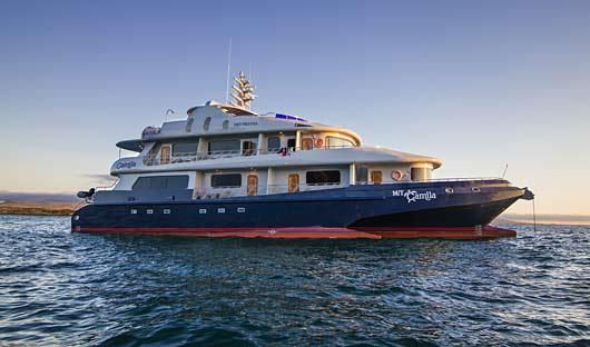 Camila Galapagos Boat Exterior