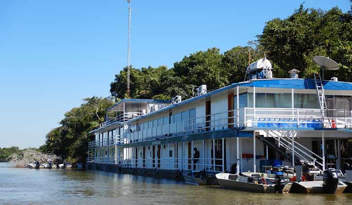 Jaguar Suites Flotel