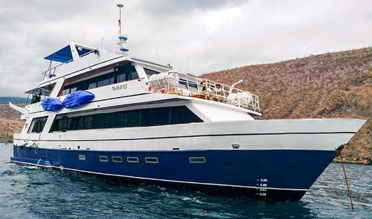 exterior-bonita-yacht resize